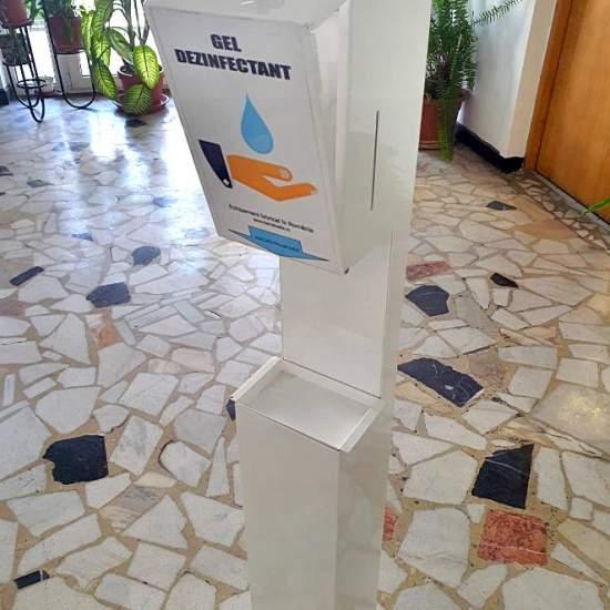Dozator automat pentru gel dezinfectant